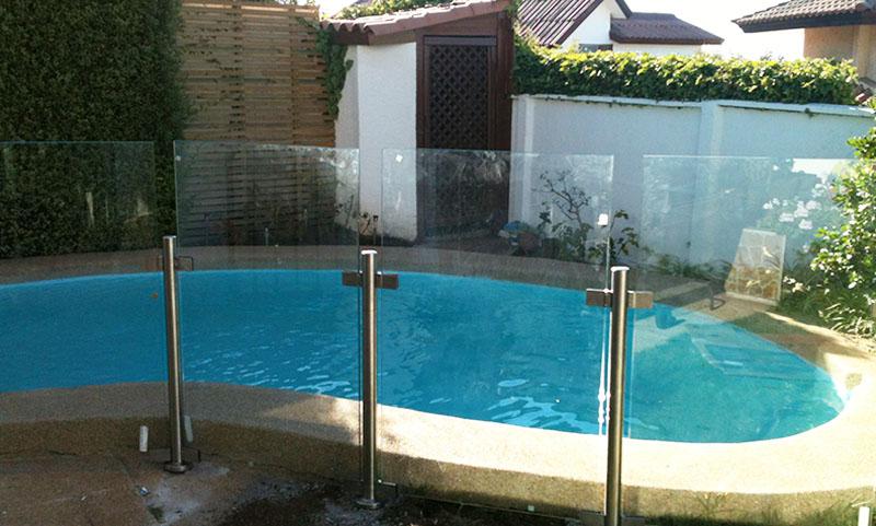 Instalwindow cierre de piscinas - Cristales para piscinas ...